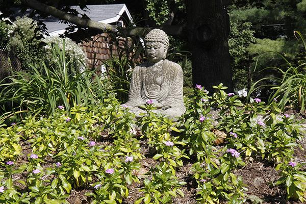 Walking Tour: Buddha Garden